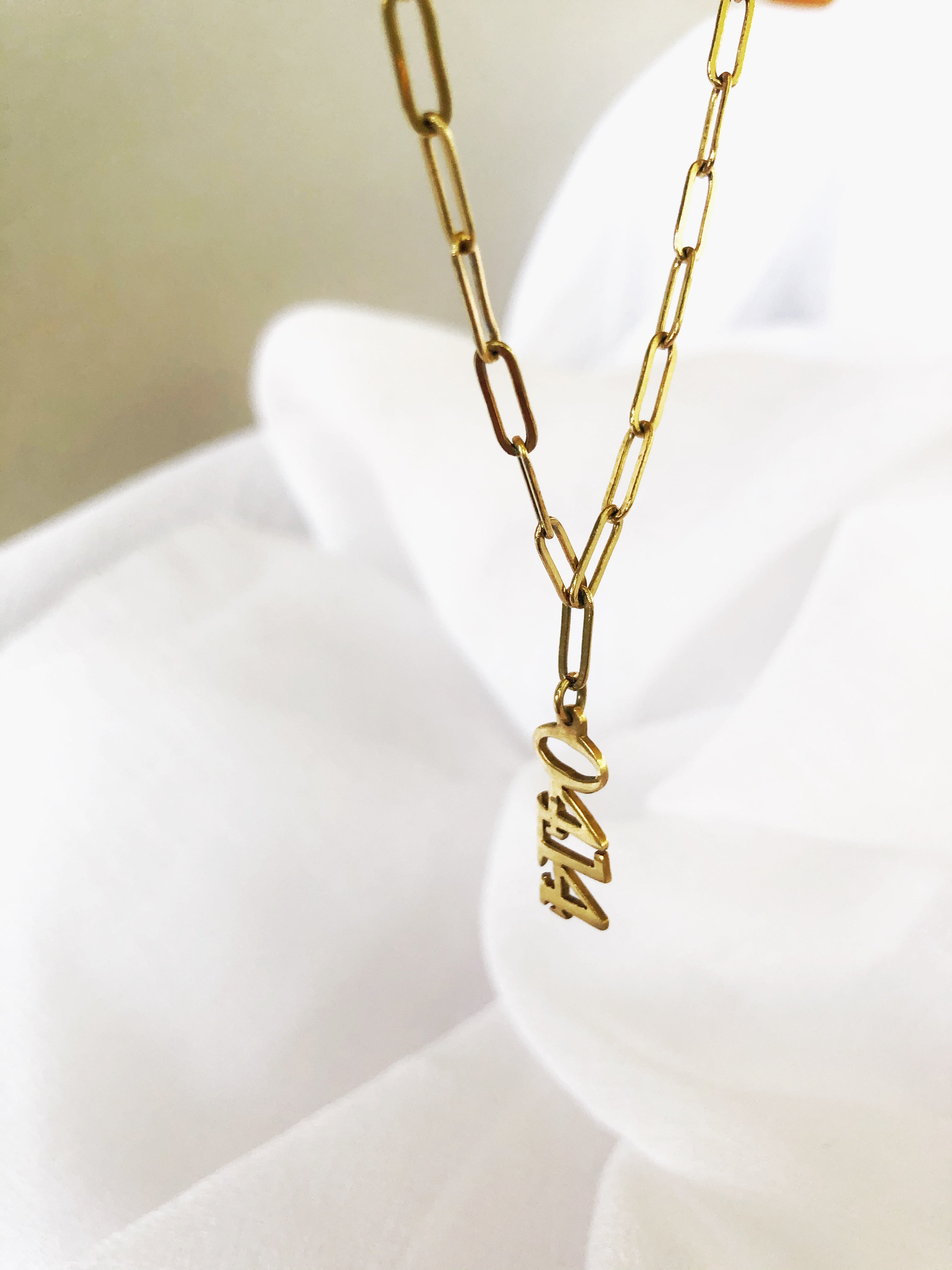YEAR - vertical necklace
