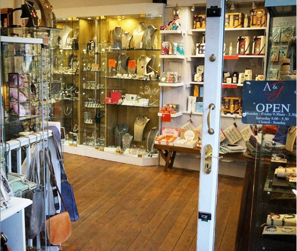 armed-and-gorgeous-gift-shop-nailsworth
