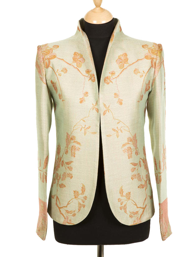 mother of the bride outfit, plus size wedding outfit, pale floral jacket, fitted blazer for women