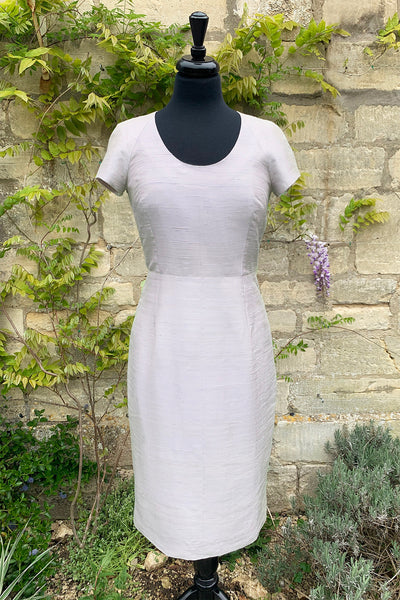 womens-pale-grey-white-scoop-neck-capped-sleeve-tailored-shift-dress-sample-sale-mother-of-the-bride-outfit