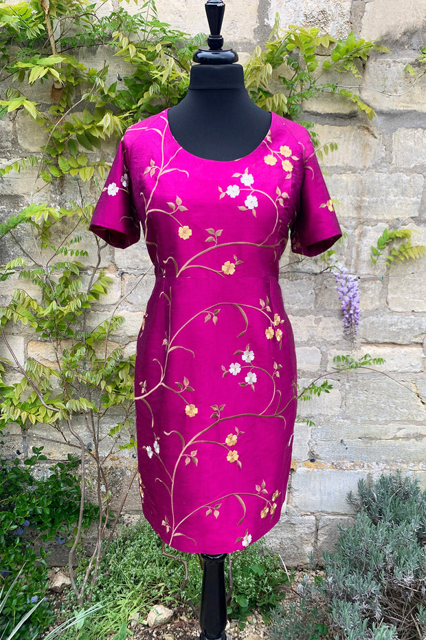 womens-bright-magenta-pink-purple-embroidered-silk-mother-of-the-bride-dress-tailored-shift-dress-wedding-guest-outfit-sample-sale