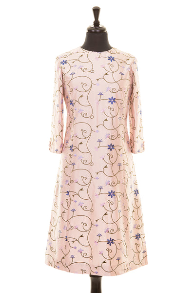pale pink embroidered silk a-line shift dress, summer wedding guest outfit, plus size mother of the bride outfit, best ascot outfits