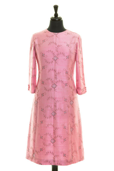 light pink embroidered silk a-line shift dress, wedding guest outfit, plus size mother of the bride outfit, best ascot outfits