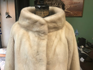 Pearl Mink Short Jacket - High-End Fur Coat for the Elegant Woman (over 40 women)