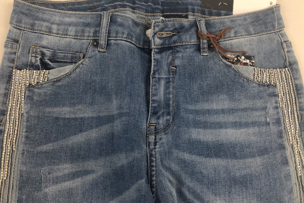 Mid-Rise Jeans With Rhinestone