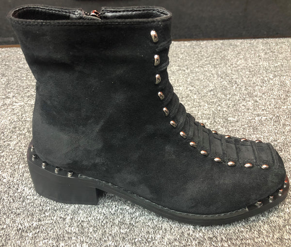 Black Lace-up Suede Rugged Boots