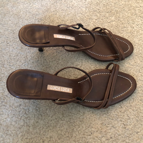 LARGE SIZE PRE-OWNED SHOES FOR WOMEN - SEXY STRING SANDALS (SIZE 9)