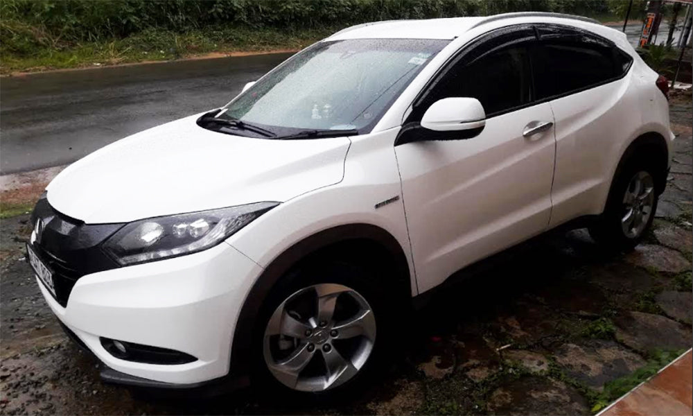 Honda Vezel White Color Car for Rent