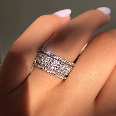 (Global Shop) Unisex Fashion White Zircon Crystal Silver Color Ring