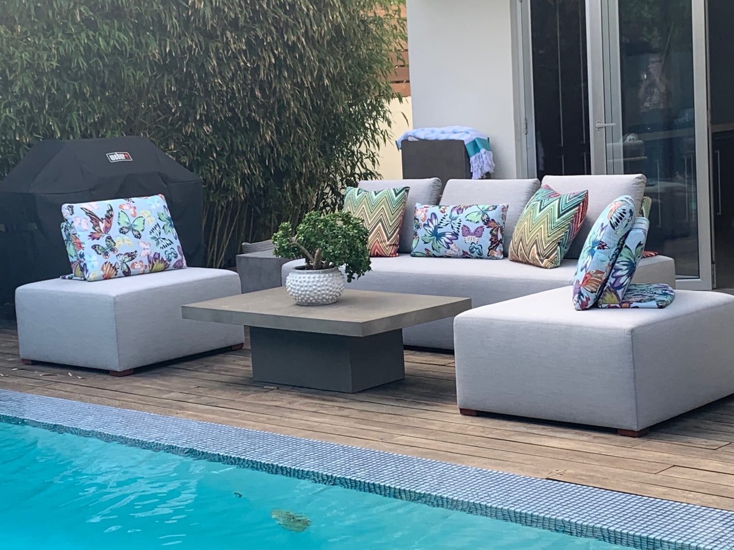 Capri Sectional with Floating Pillow