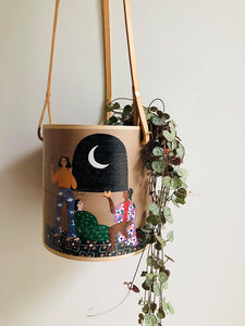 PEACEFUL GIRLS HANGING PLANTER