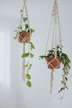 Load image into Gallery viewer, MACRAME PLANT HANGER - natural