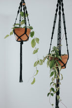 Load image into Gallery viewer, MACRAME PLANT HANGER - black