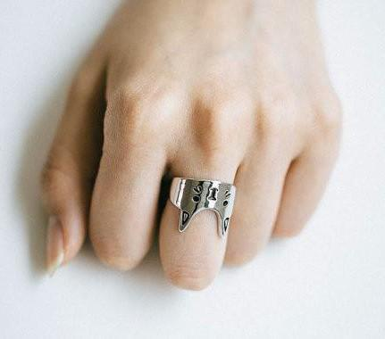 Crown Cat Ring