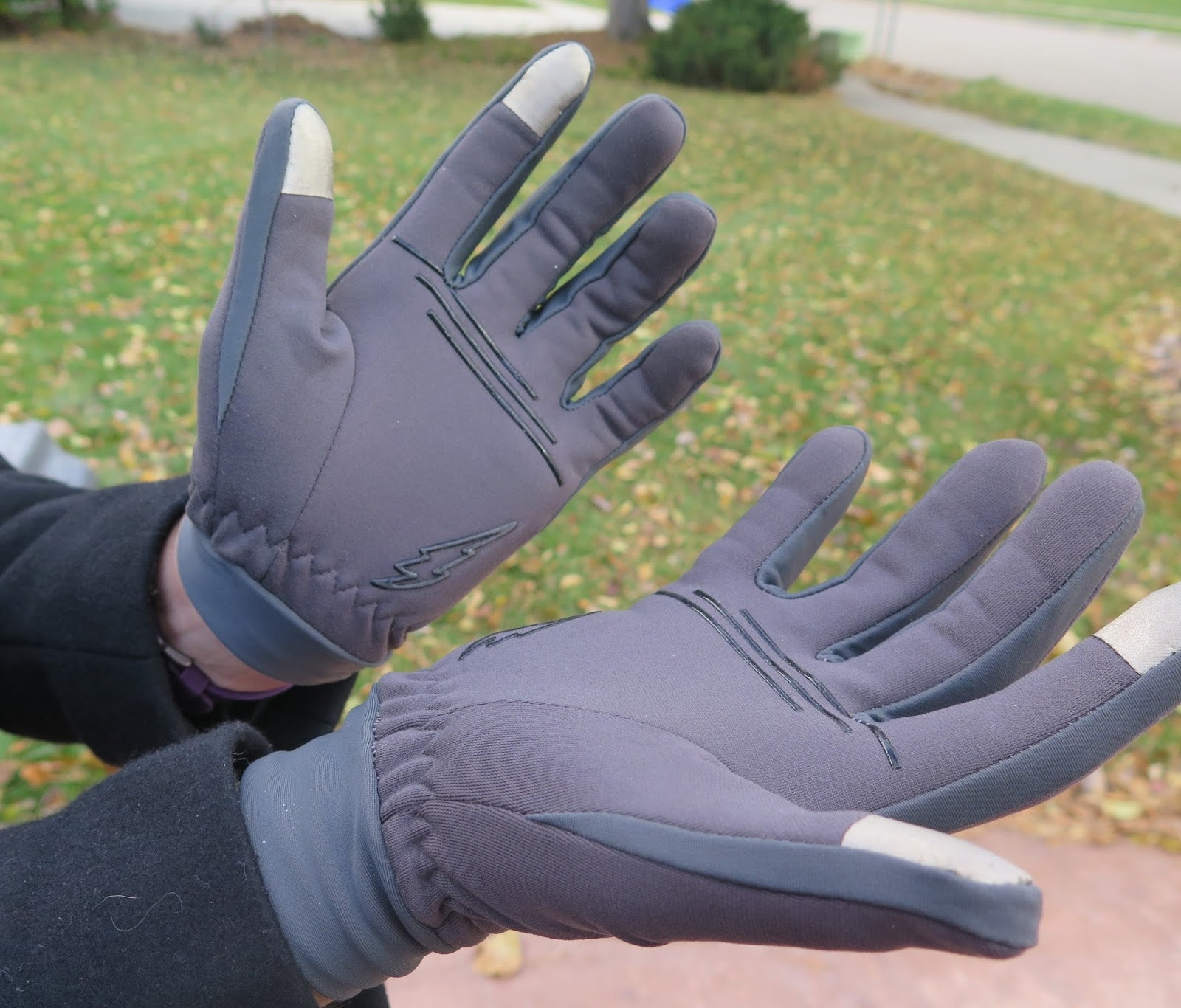 How To Clean The Leather Gloves With Running Water