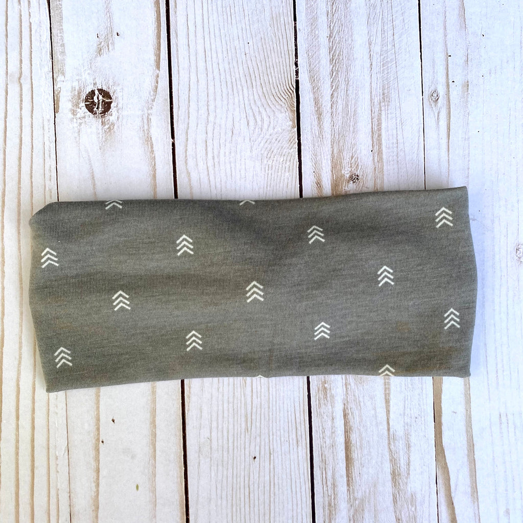Gray and white arrow Knotted Head Wrap