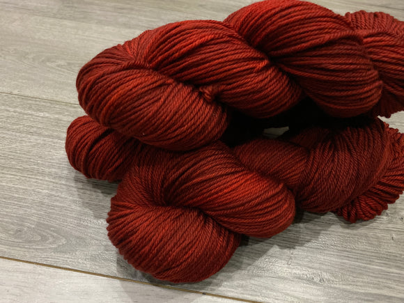 Worsted (Molly) - Lady in Red