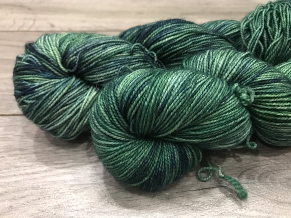 Sock (Twisted) - Green Wanting Blue
