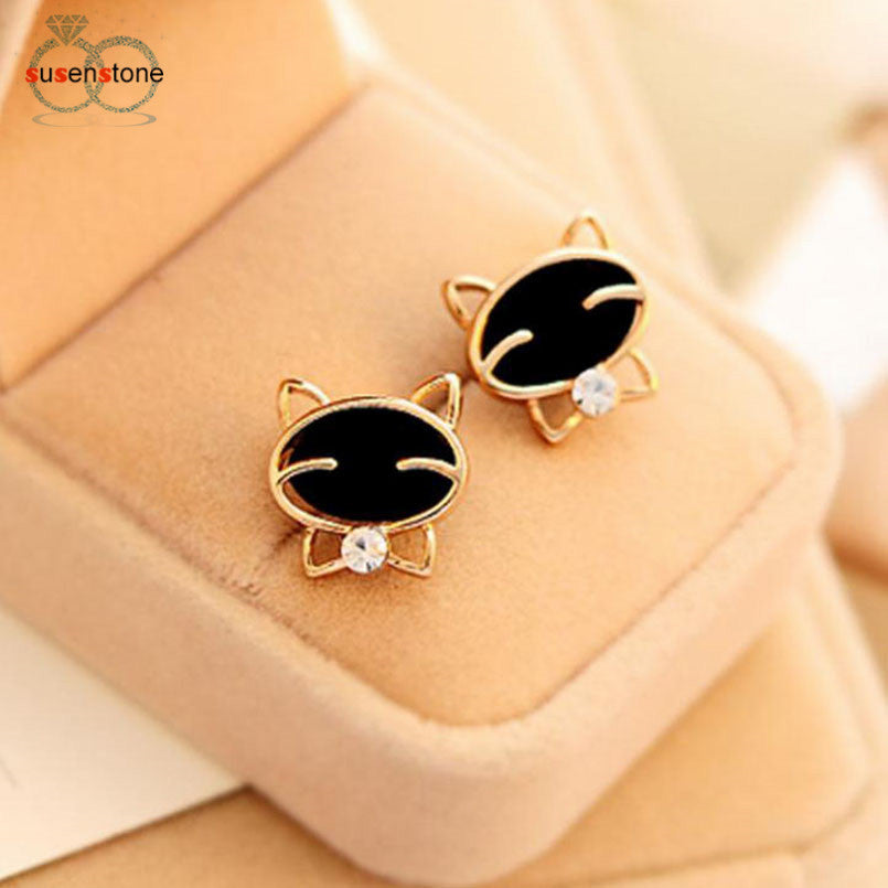 Attractive cat earrings