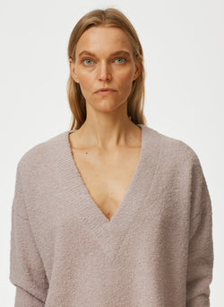 Boucle Alpaca Slit Cuff V-Neck Pullover Boucle Alpaca Slit Cuff V-Neck Pullover
