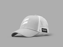 Load image into Gallery viewer, Sneakify Mesh Cap Trucker / Grå/vit