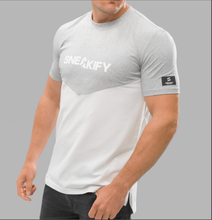 Load image into Gallery viewer, T-shirt Herr - Sneakify T: Grå/vit V-Cut