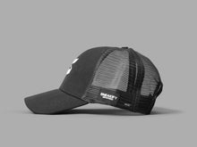 Load image into Gallery viewer, Sneakify Mesh Cap Trucker / Svart