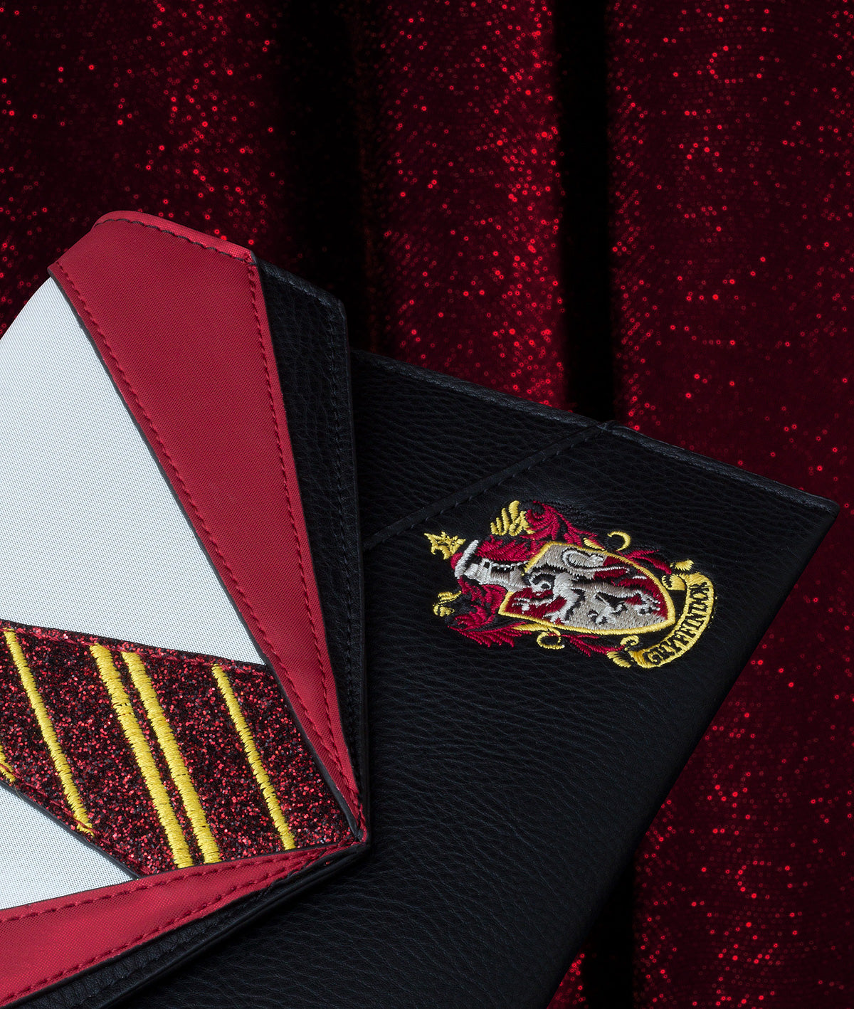 Gryffindor Uniform Clutch
