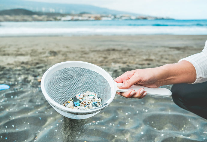 Not All Cellulose Based Glitters Are Good. End Microplastics in the Ocean