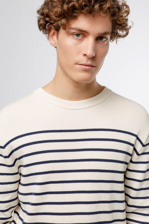horizontal-stripes-off-white