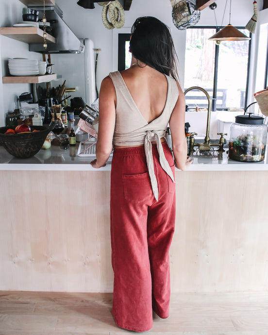 Secondhand Hida Mountain Pants in Organic Madder Root Red — Size Medium