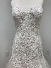 Load image into Gallery viewer, Val Stefani Wedding Dress