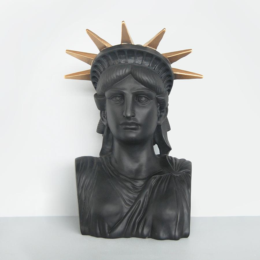 Liberty the Statue Black-Bibilo