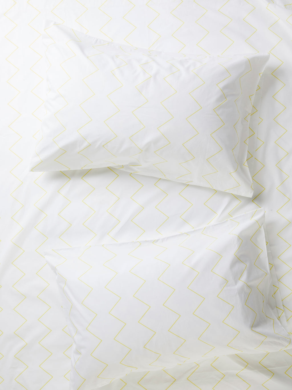 Zig & Zag Set of 2 Pillowcases - White/Yellow-Bibilo