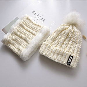 7552 - Fashion Beanie Hat with Neck Warmer