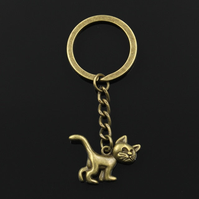 Antique Silver Bronze Plated Cat Key Chain - Shop For Gamers
