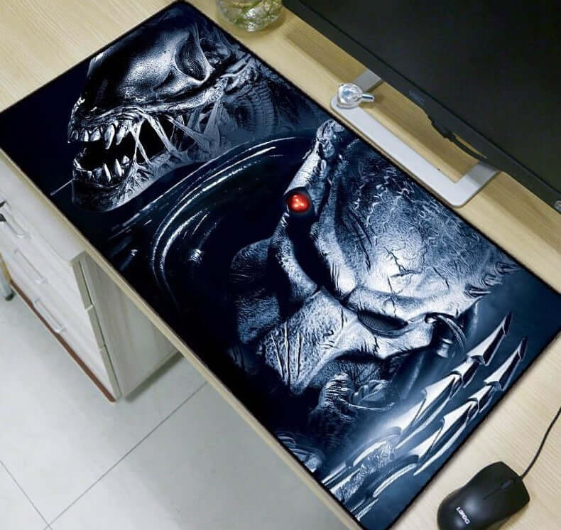Mairuige  Predator Movie Mouse Pad