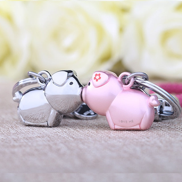 Milesi 3D Kiss Pig Couple Keychain - Shop For Gamers