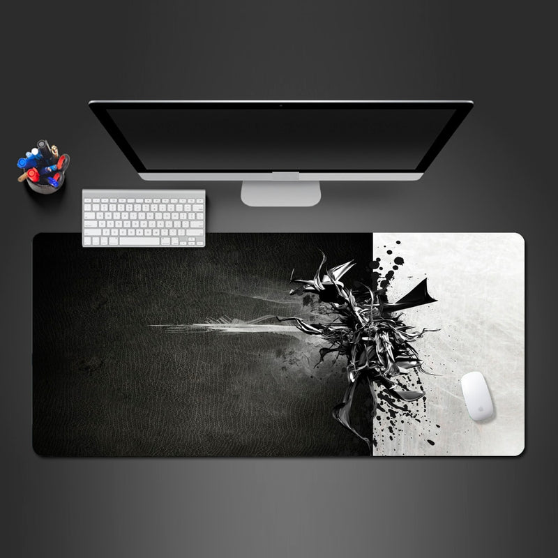 Personality Black And White Mouse Pad