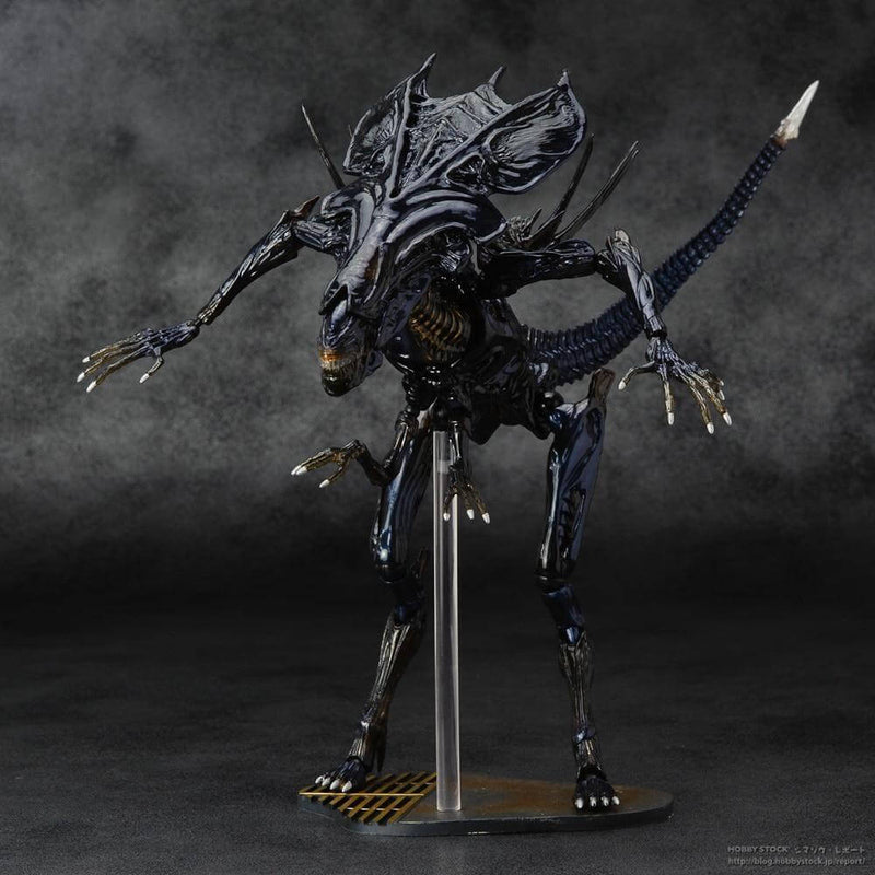 Alien Queen Xenomorph Warrior PVC Action Figure - Shop For Gamers
