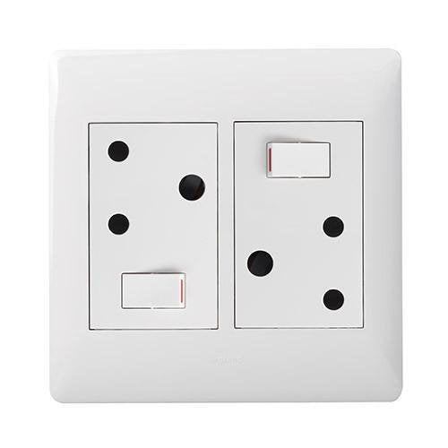Double Switched Socket - White - PY044WHT