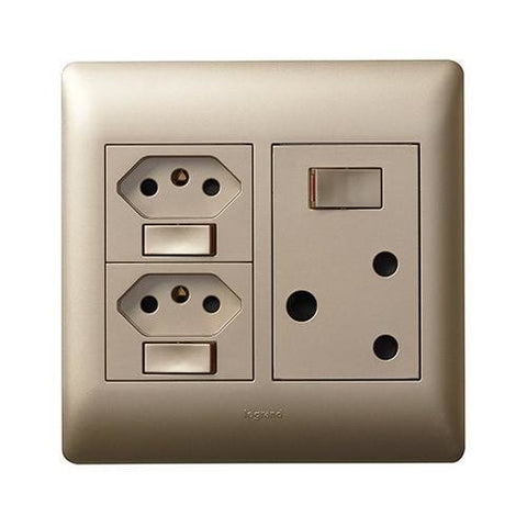 Single Socket Vertical + 2 Switched Slimline Champagne - PYNOS44CHA
