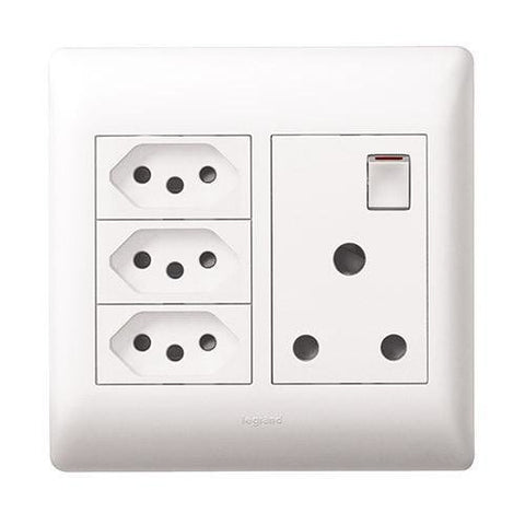 Single Socket Vertical + 3 Slimline White - PYN044WHT