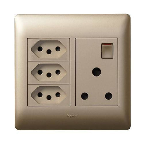 Single Socket Vertical + 3 Slimline - Champagne - PYN044CHA