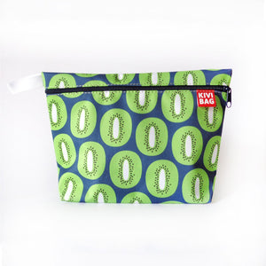 Kivibag beauty bag with zipper with green kivi fruits design - front view