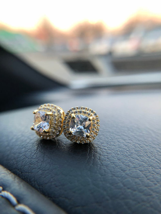Diamond Encrusted Crown Stud Earrings - Vermeil - Gold X