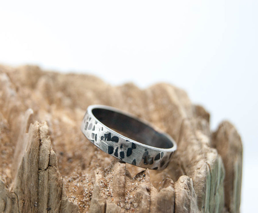 Dimpled texture silver band