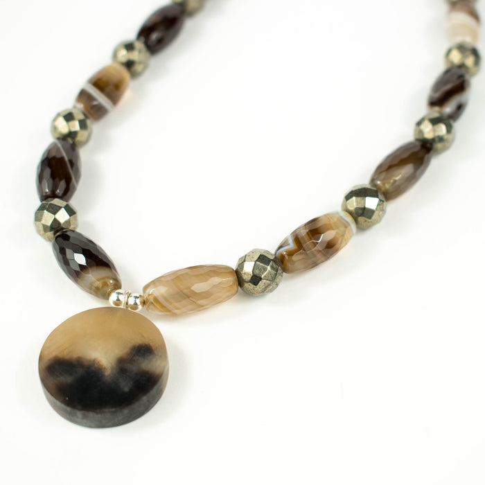 Ox horn and agate necklace