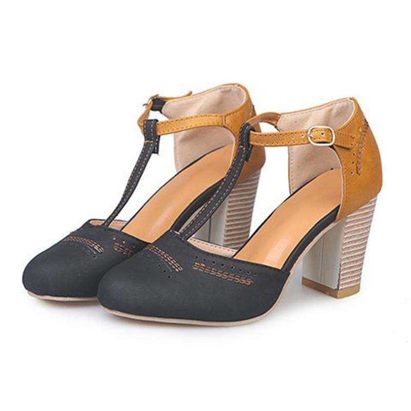 Women Casual Round Toed Plain Hollow Buckle Coarse Heel Sandal