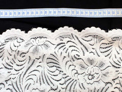 Stretch Lace Spandex Polyester scalloped and Cut Fleur2